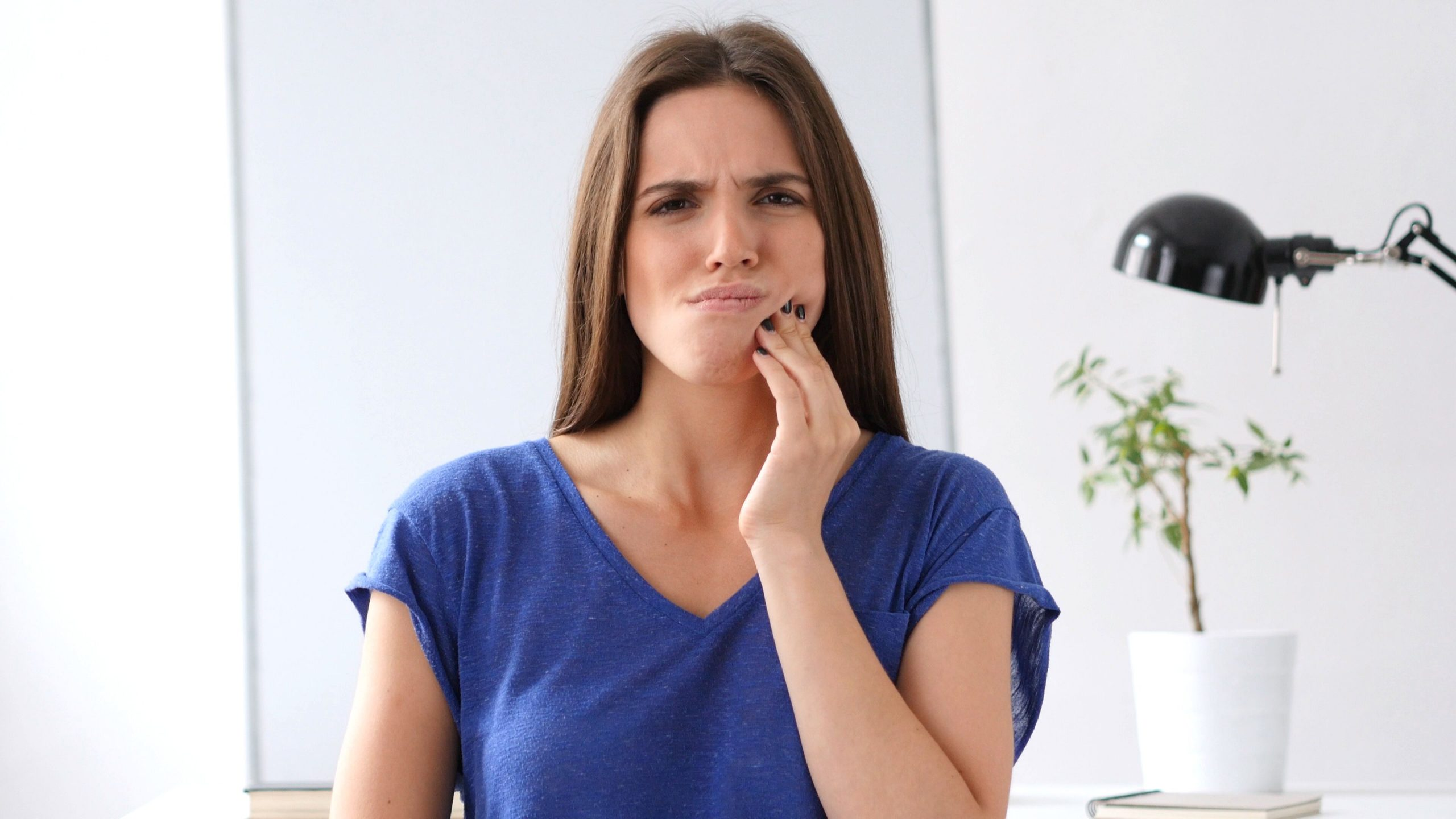 Is gum disease a dental emergency?